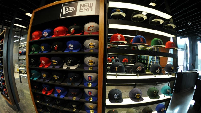 New Era Slide store 031 640x360.jpg 70a81be31ce