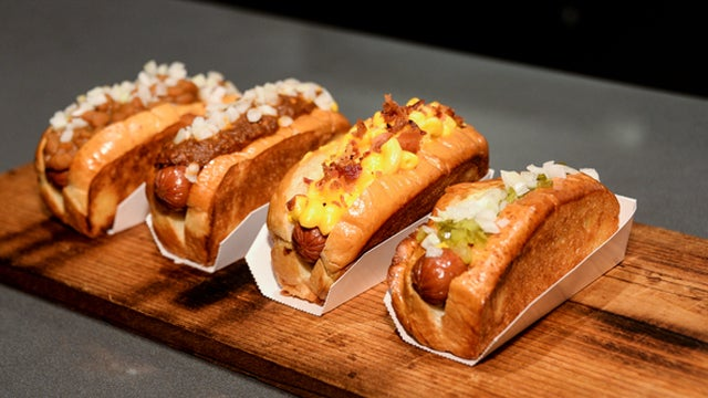 Foods You Must Try At Staples Center