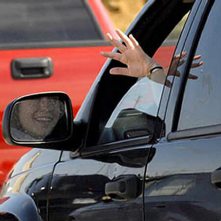 waving-when-driving.jpg